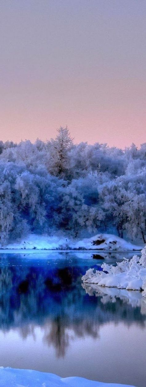 stillness-in-blue-amazing-world