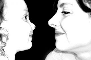 ana_june_mom_and_toddler_loving_gaze